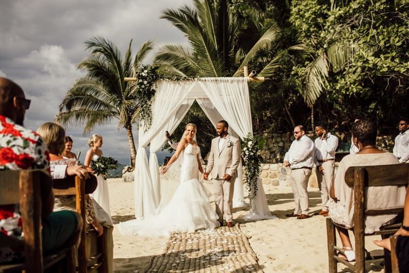 las caletas weddings by funjet bride groom introduction 51 945719