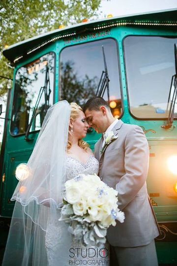 800x800 1454359354902 trolley bride