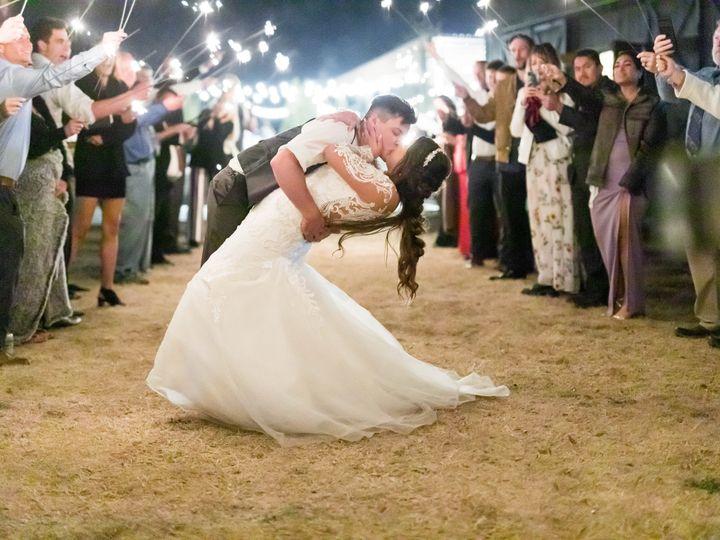 Tmx Evelyn Michael Sparkler Tunnel Dip Kiss 51 1897719 161832270080155 Ferris, TX wedding venue