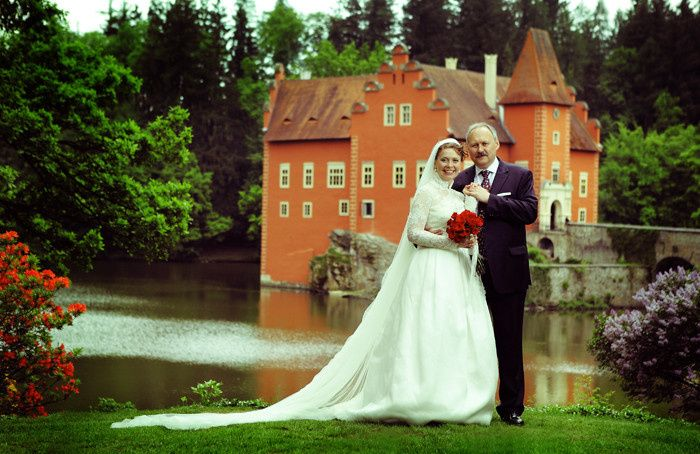 Cervena Lhota Castle weddings
