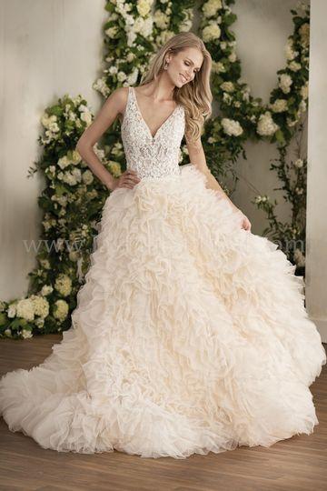 Boulevard Bride - Dress & Attire - Lake St Louis, MO - WeddingWire
