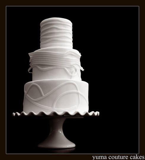 Yuma couture cakes wedding cake yuma az weddingwire 800x800 1314385316167 weddingwirepic2 800x800 1314385318257 weddingwirepic junglespirit Gallery