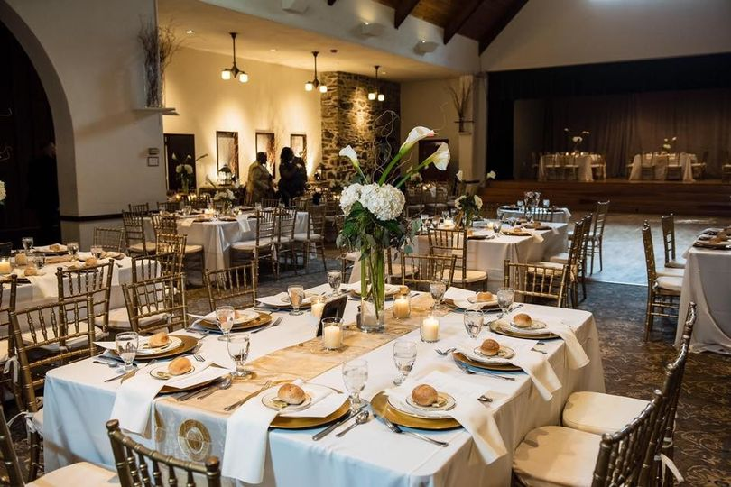 Table setting and gold decor