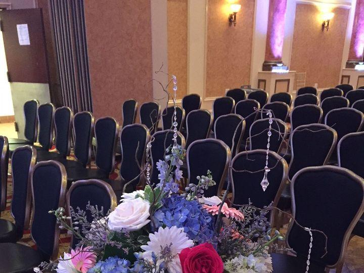 Tmx 1517621123 50e154b09c34772d 1517621122 3a5d5911a19e3cae 1517621120891 4 Aisle Arrangement Philadelphia, Pennsylvania wedding florist