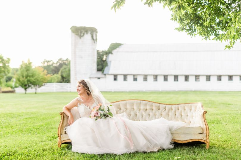 Bridal seat
