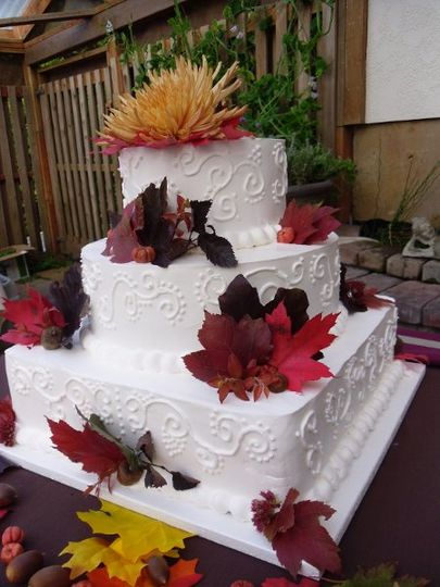 On-site Pastry chef to create your wedding cake