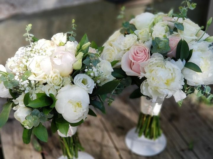 Tmx 0 19695400 1561457882 51 1087819 158938137221211 Hyannis, MA wedding florist