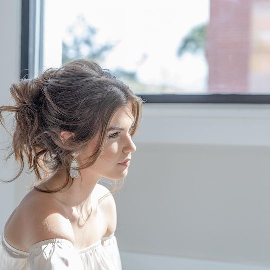 Bridal hair soft look
