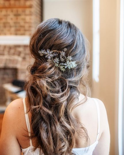 Bridal hair, half up