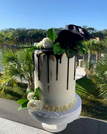 Eye-catching wedding cakes