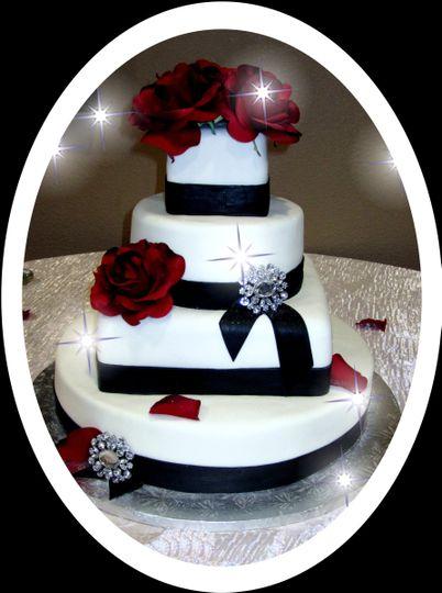 mooshu wedding cake black and white rhinestone 1