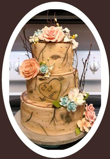 mooshus birch bark tree stump wedding cake2