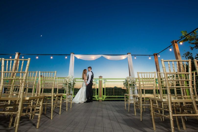 sky deck branson bride and groom wedding 1024x683