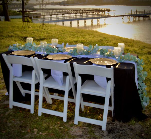 Banquet table/garden chairs