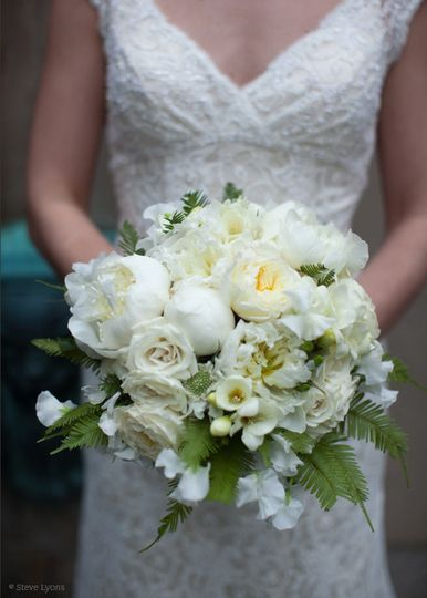 white bouquet spring