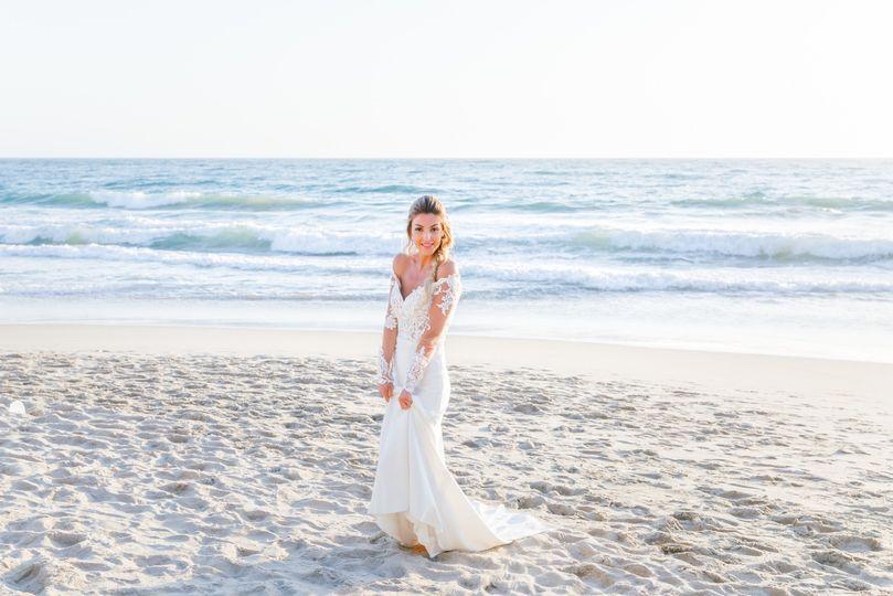Bride on the beach (Viktoria and Riley)
