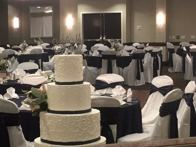 Wedding Cake by The WOW Factor at Reception in Barrringer Ballroom at DoubleTree Suites by Hilton...