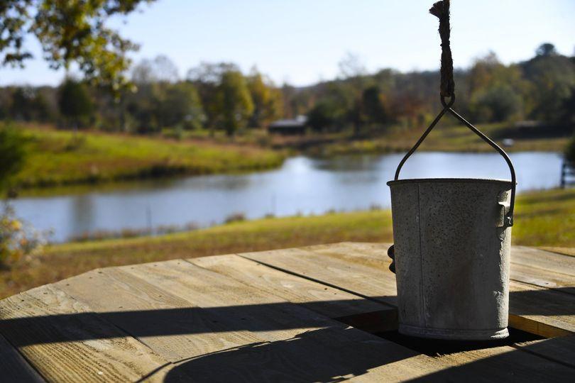 The hanging bucket