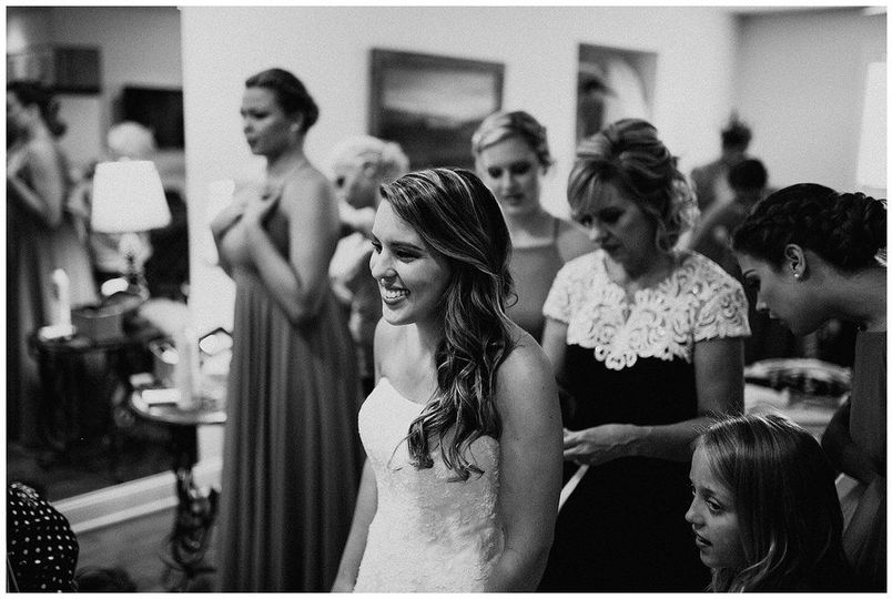 Bride and her guests | Sarah Mosher Photography
