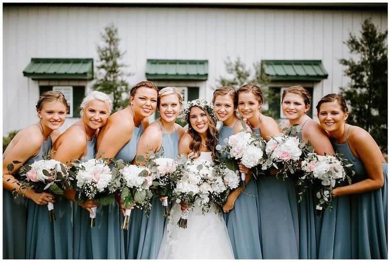 Bride, bridesmaids, and bouquets| Sarah Mosher Photography