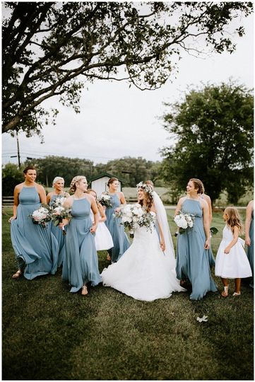 The bride and her bridesmaids| Sarah Mosher Photography