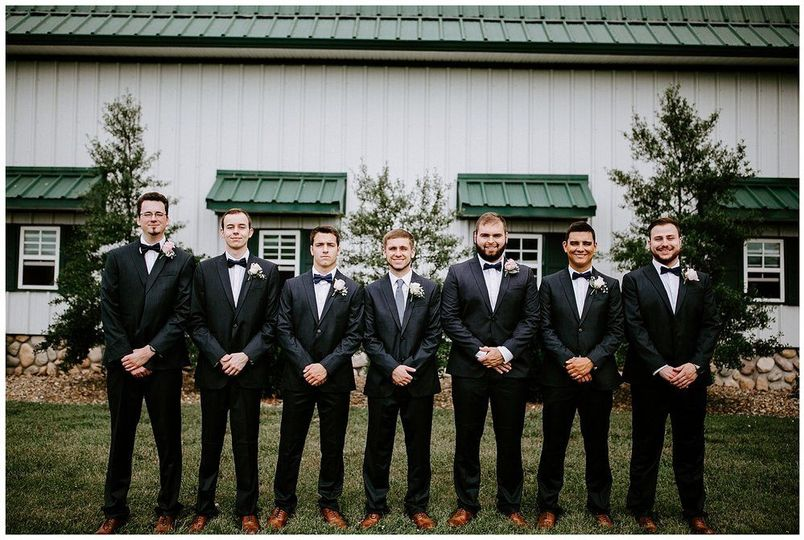 The groom and his groomsmen| Sarah Mosher Photography