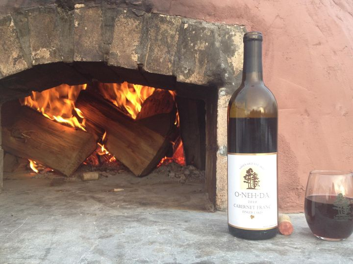Wood-fired pizza and vino