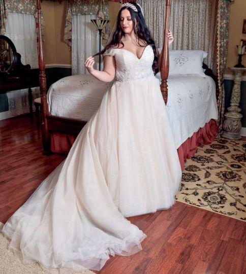 Bride in William Morris Suite