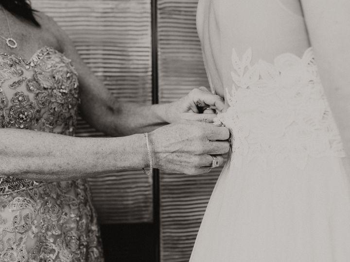 Tmx 1531419211 2d0fbcdefecd8e26 1531419205 207a4fe11feaa25f 1531419192291 4 EricaMaxWedding476 Winthrop, MA wedding photography