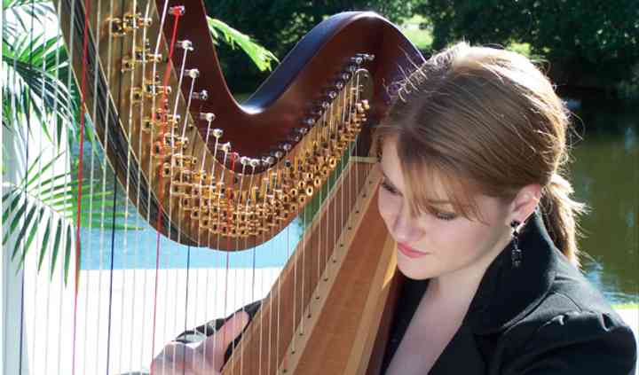 Adrianna Wolaver, Harpist