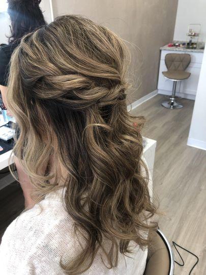 Textured bridal half up hair