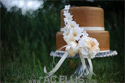 Gold cake with sugar flowers - picture by AC Ellis