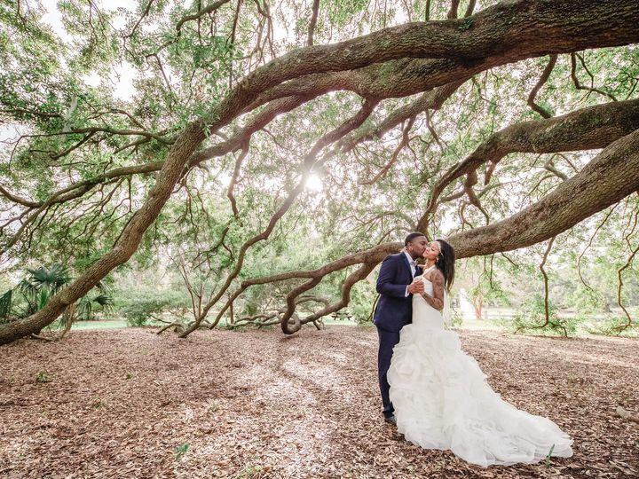 Tmx Charlestonweddingphotokissneartree 51 930229 Charleston, SC wedding photography
