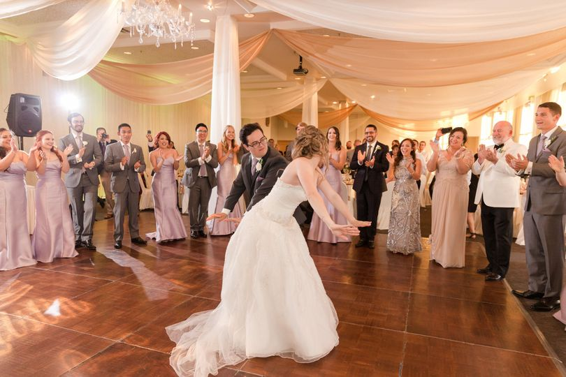 Fun & memorable first dance