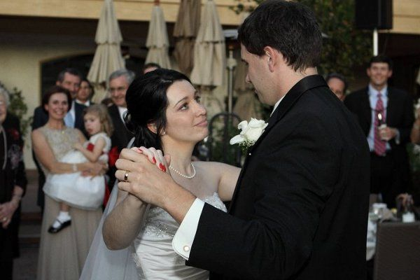 Matt and Laura's first dance took place in the courtyard outside Bocaccio's restaurant.