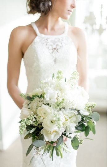 White bouquet | Tiffany Kelly