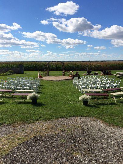 Barn wedding in Harvard, IL