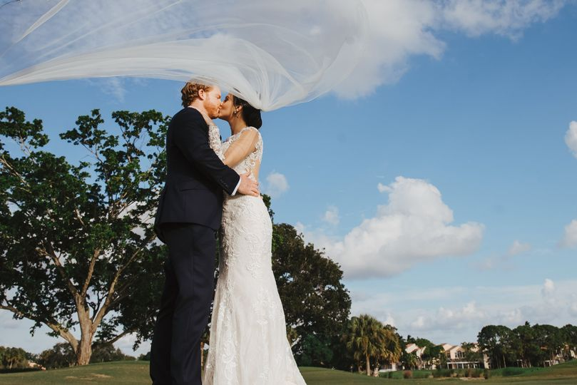 THE WEDDING AVENUE