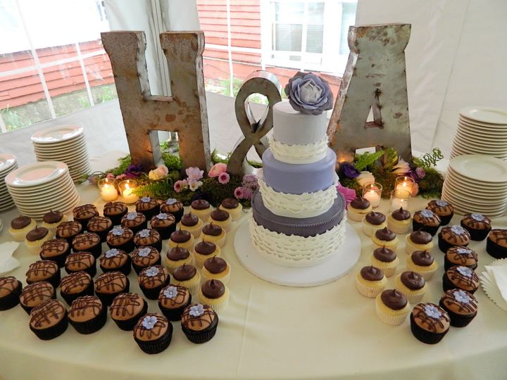 Tmx 1447273537819 Hilary  Alex Quechee, Vermont wedding cake