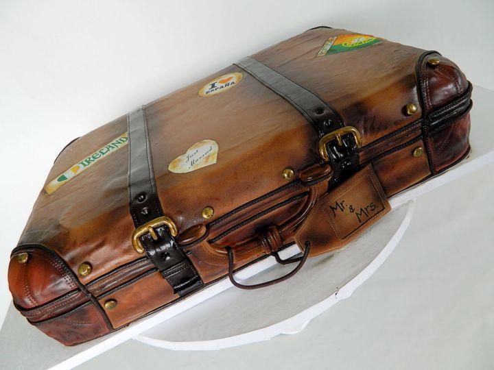 Tmx 1449100286448 Suitcase New London, NH wedding cake