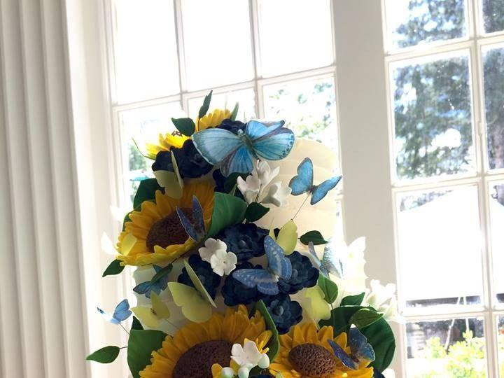 Tmx 1476208466593 Hollie Blue Chris New London, NH wedding cake