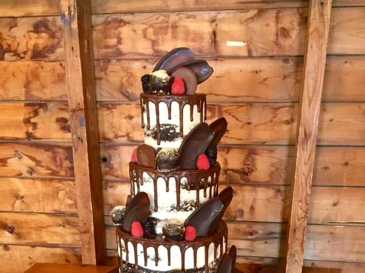 Tmx 42849296 10156663664769085 2760813494788947968 N 51 441329 New London, NH wedding cake