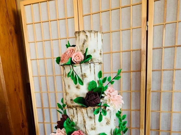 Tmx 70593066 10157558155159085 1827931153395351552 N 51 441329 157385608912148 New London, NH wedding cake