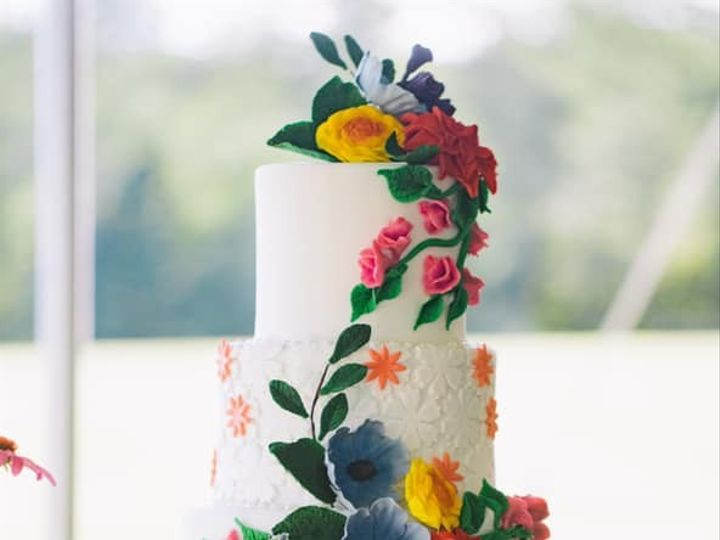 Tmx 73515526 10157657824334085 6075275495535017984 N 51 441329 157385609167282 New London, NH wedding cake