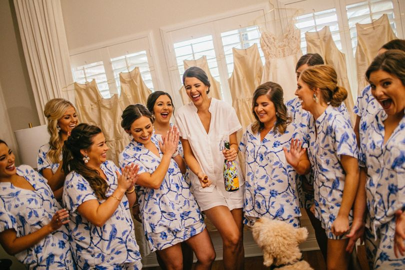 Laughing ladies - Photo by Tate Tullier