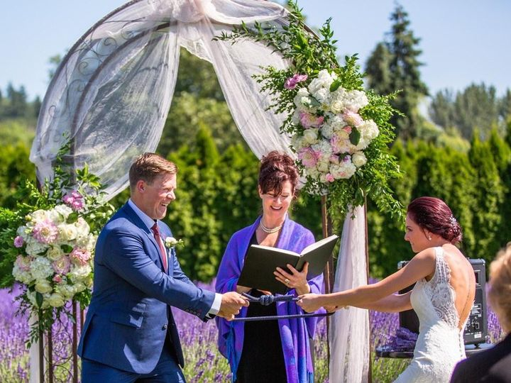 Tmx Boprey Johnson Dbkphotography Woodinvillelavenderweddingdbkphotography102 Big 51 732329 Seattle, WA wedding officiant