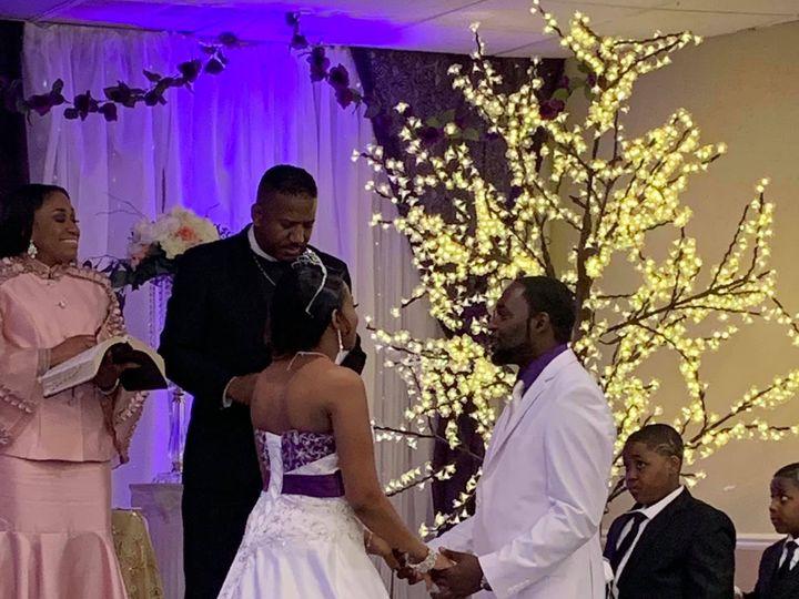 Tmx Img 3791 51 1942329 158153532541303 Livonia, MI wedding planner