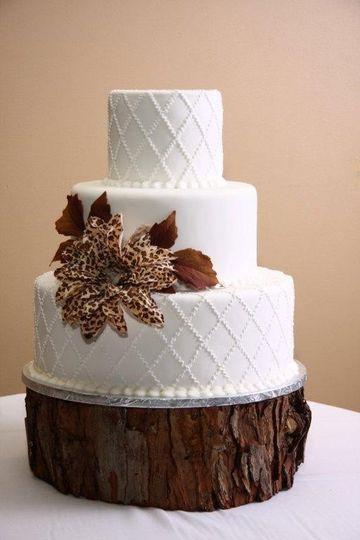 wedding cake leopard flower with tree trunk