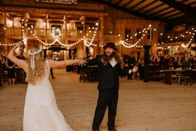 Romantic 1st Dance in our Barn