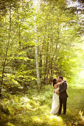 Kiss by the trees